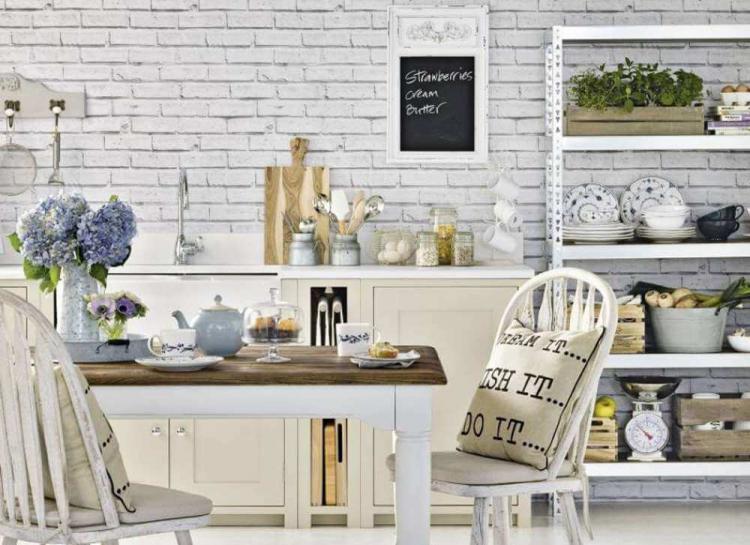 Бяла тухлена стена за по-оригинален и творчески интериор